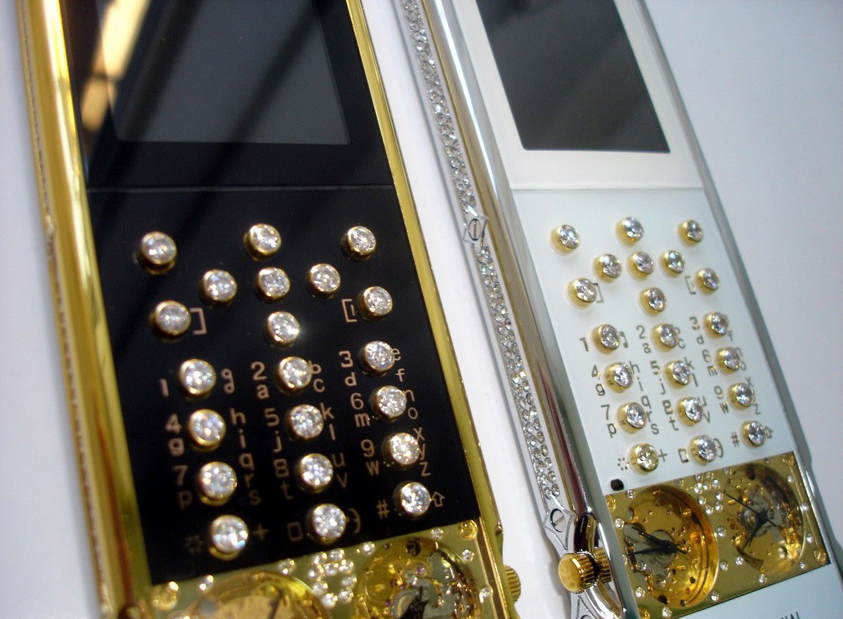 mobiado-professional-105-gmt-diamonds-3.jpg