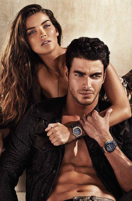 Парные часы для влюбленных в одном стиле